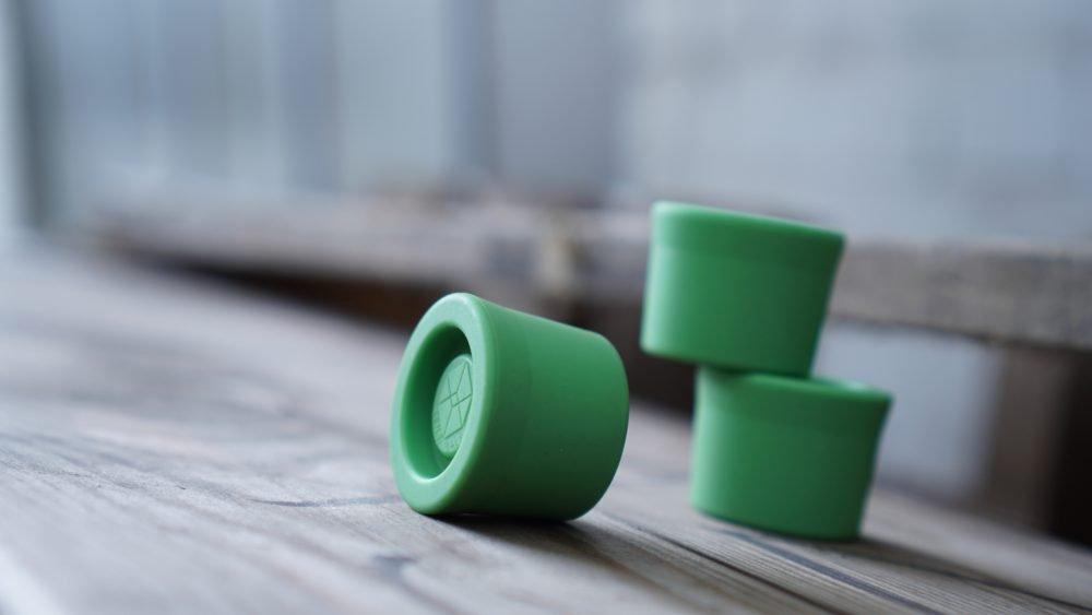 Die TensiBall Caps ist ein Reaktions-Spielzeug für Jung und Alt. Dieser Aktion-Flummi bringt Bewegung in dein Leben.