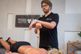 Massage-Technik - Akupressur mit dem Trigger Master One