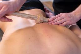 Massagetechnik - Querfriktion mit dem Trigger Master One
