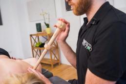 Mit dem Trigger Master One die Finger bei der Akupressur effektiv entlasten